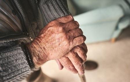ProSkin: TENA's 3 easy steps to protect elderly skin